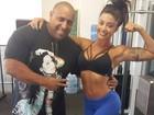 Aline Riscado mostra muque e corpo sequinho com personal de Gracyanne