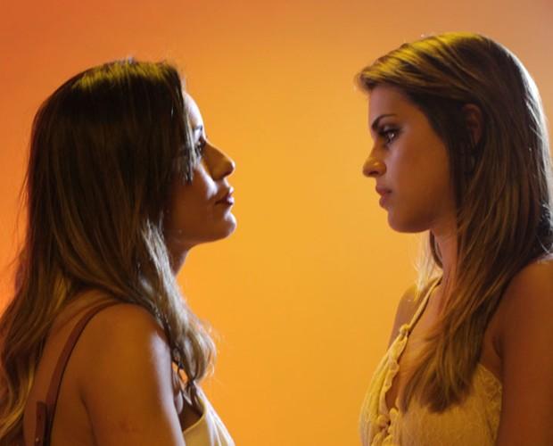 LEticia e Angela fazem as pazes (Foto: Dafne Bastos / TV Globo)