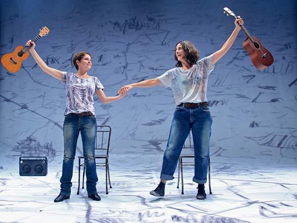 Drica Moraes e Mariana Lima em 'A Primeira Vista', segunda parte da trilogia (Foto: Divulgação)