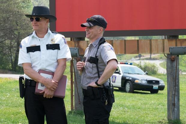 Sam Rockwell e Woody Harrelson em Três Anúncios para um Crime (Foto: Divulgação)