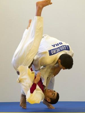 Leandro Guilheiro treino judô em Sheffield (Foto: Marcio Rodrigues/FOTOCOM.NET)