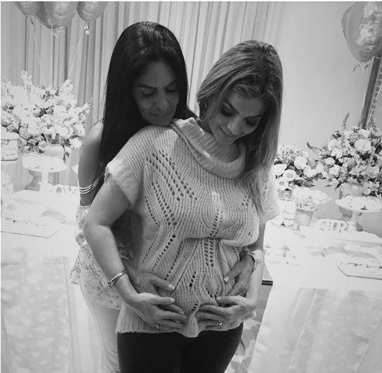 Kelly Key ganha abraço da mãe (Foto: Reprodução/Instagram)