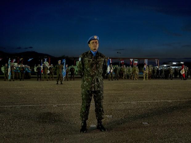 General Ajax Porto Pinheiro comanda as tropas internacionais da ONU no Haiti e tem a missão de apoiar a segurança no país (Foto: Rug Wiza/Minustah)