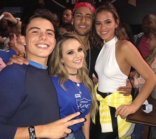 Thomaz, Larissa, Neymar e Bruna (Foto: Reprodução/Instagram)