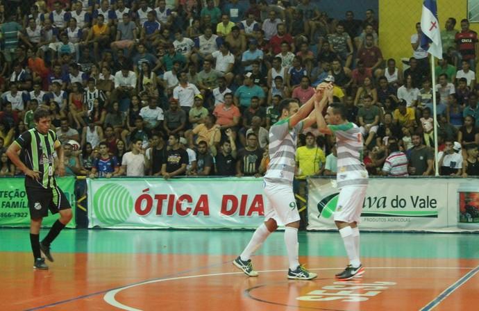 Araripina comemora vitória e classificação para semifinal da Copa (Foto: Amanda Lima)