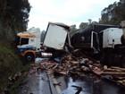 Acidente entre três carretas deixa motorista morto na BR-153 em SC