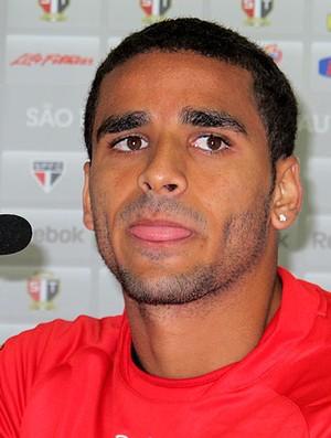 Douglas na coletiva do São Paulo (Foto: Gustavo Serbonchini / Globoesporte.com)