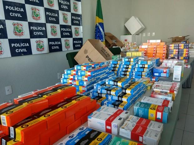 Remédios foram apreendidos com quadrilha formada por pelo menos nove pessoas (Foto: Valdir Almeida/G1)