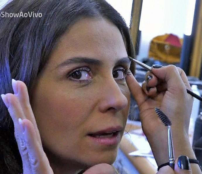 Giovanna revela que gosa de usar sobrancelhas grossas e cabeludas (Foto: TV Globo)