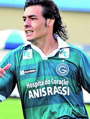 Ricardo Goulart, meia do Goiás (Foto: Ricardo Rafael/O Popular)