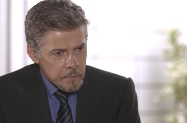 José Mayer é Tião em 'A lei do amor' (Foto: Reprodução/TV Globo)
