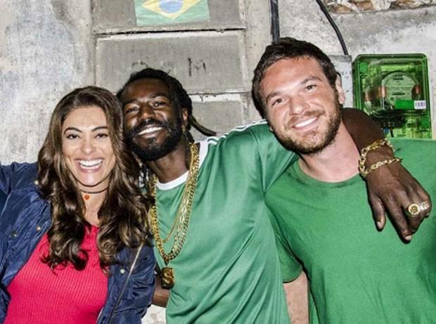 Juliana Paes, Joanathan Azevedo e Emílio Dantas na trama das 9 (Foto: Reprodução Instagram)