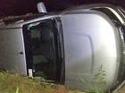 Suspeitos capotam carro roubado na BR-429, em São Miguel do Guaporé