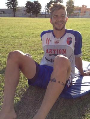 Luizinho, lateral-direito do Grêmio Prudente (Foto: João Paulo Tilio / Globoesporte.com)