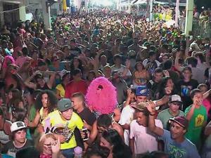 Carnaval de rua em Jaguarão, no Sul do RS (Foto: Reprodução / RBS TV)