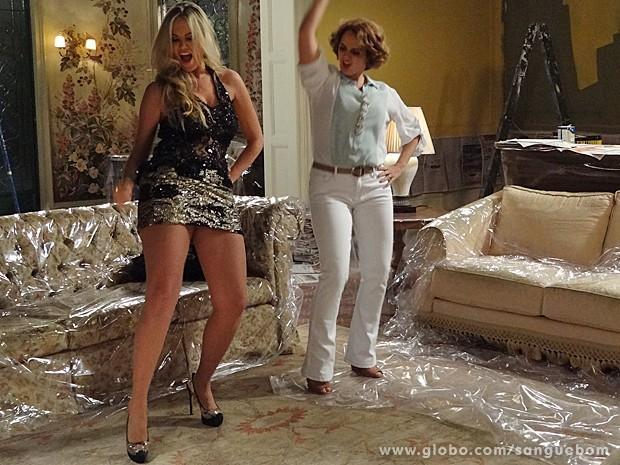Que coxão! Olha só o corpão de Brunettý ao dançar na mansão Pais (Foto: Sangue Bom/TV Globo)