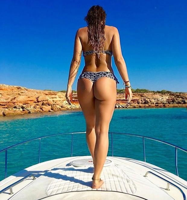 Lívia Andrade exibe corpão e bumbum redondinho em Ibiza (Foto: Reprodução/Instagram)