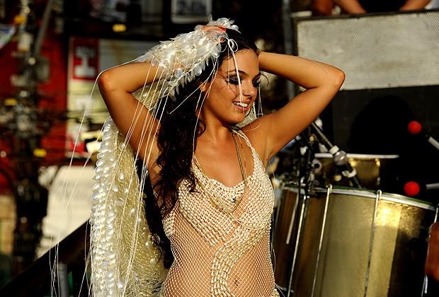 """Isis Valverde é a cantora de axé famosa Sereia na minissérie global """"O Canto da Sereia"""" (Foto: Divulgação/TV Globo)"""