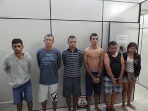 Seis suspeitos foram presos por tráfico de drogas em Palmas (Foto: Polícia Civil/Divulgação)
