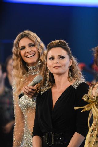Fernanda Lima e Rita Guedes no palco de Amor & Sexo (Foto: Raphael Dias / TV Globo)