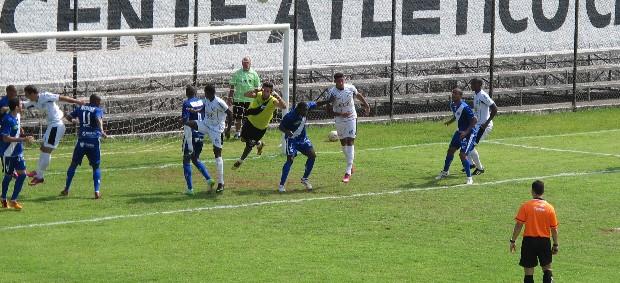 São Vicente x Taubaté (Foto: Bruno Gutierrez)