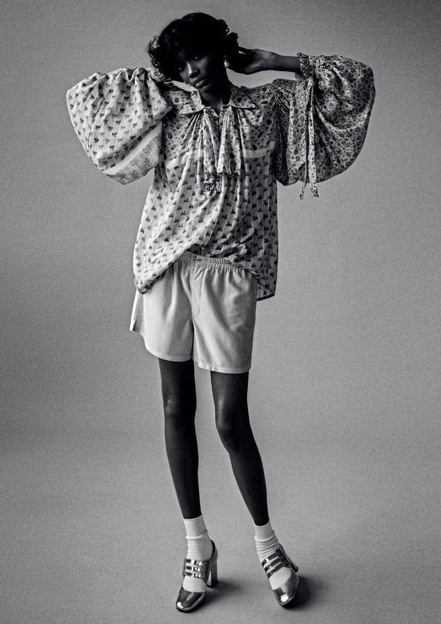 Elibeidy usa top e boxer, ambos Louis Vuitton (Foto: Zee Nunes)