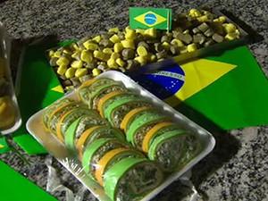 Para Copa, comerciante de São José faz massas com cores da Seleção (Foto: Reprodução/ TV Vanguarda)