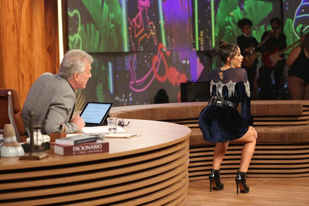 Anitta requebrou até o chão no 'Conversa' (Foto: Carol Caminha/Gshow)