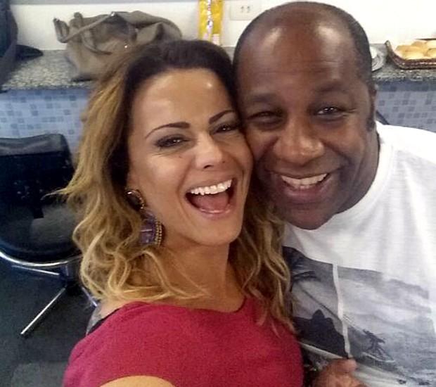 Ailton Graça está na torcida pela amiga Vivi Araújo (Foto: Arquivo pessoal)