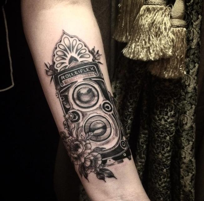 Tatuagem feita por Thuani Glogliano (Foto: Reprodução)
