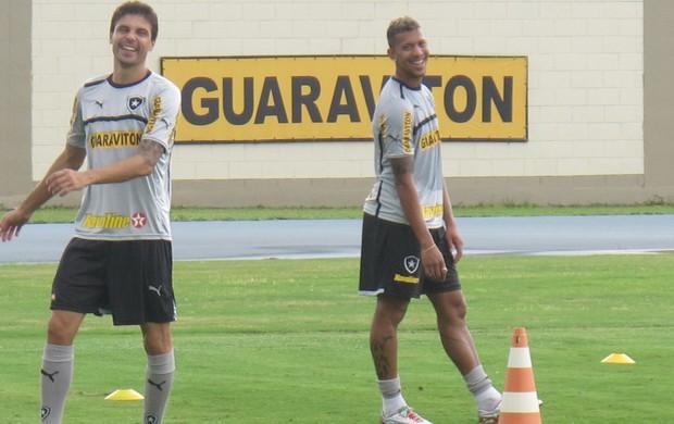 Bolívar e Antônio Carlos botafogo (Foto: Fred Huber)