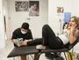 Vanessa Mesquita faz tatuagem nova em prol de ONG animal: 'Doeu muito'