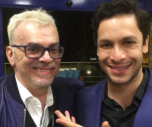 Walcyr Carrasco com Rainer Cadete, o Celso de Êta Mundo Bom (Foto: Reprodução/Instagram)