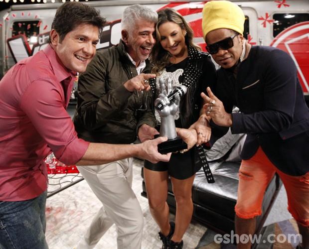 Técnicos gravação vinheta Claudia Leitte Daniel Carlinhos Brown Lulu Santos (Foto: Raphael Dias/TV Globo)