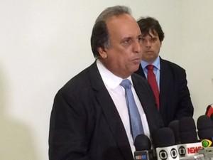 Luiz Fernando Pezão tomou posse na manhã desta sexta-feira (4) como governador do Rio (Foto: Daniel Silveira / G1)