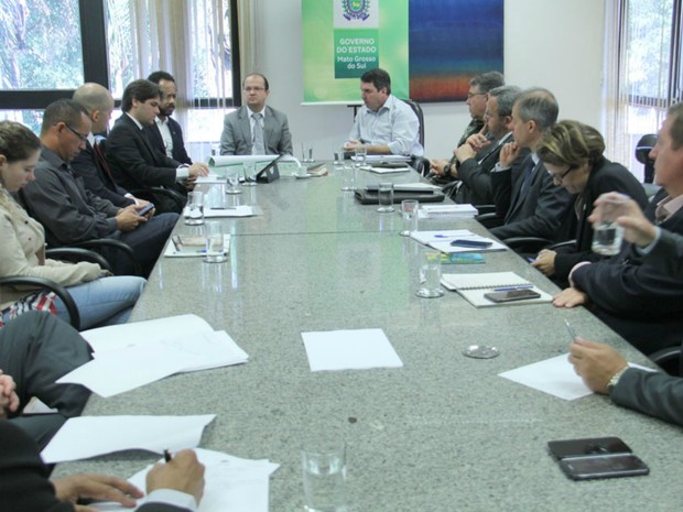 Representantes do governo de MS e federal se reuniram nesta terça-feira (5) (Foto: Chico Ribeiro/Segov)