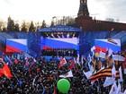 Putin e milhares de russos celebram um ano da anexação da Crimeia