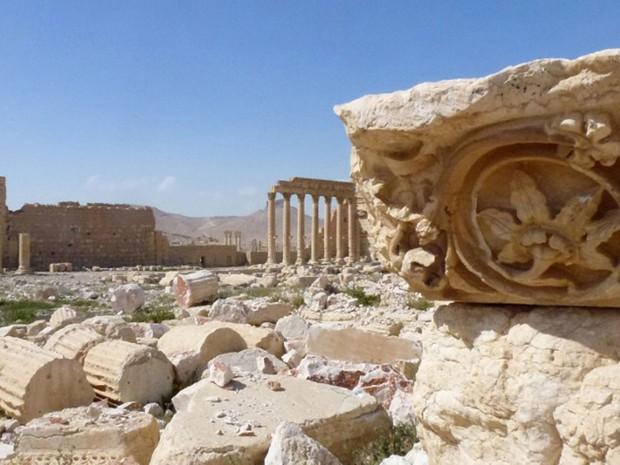 Vista geral da antiga cidade síria de Palmira em foto do domingo (27). Estado Islâmico controlava a região e destruiu parte dos monumentos da cidade considerada patrimônio da humanidade (Foto: Maher Al Mounes / AFP)