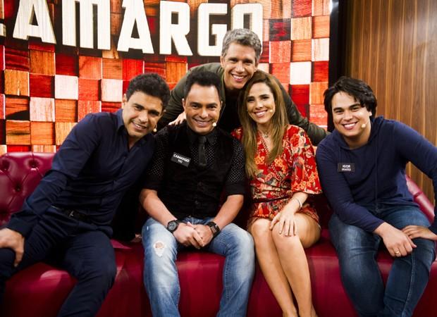 Zezé com o irmão Camargo e os filhos Wanessa e Igor (Foto: Divulgação/TV Globo)