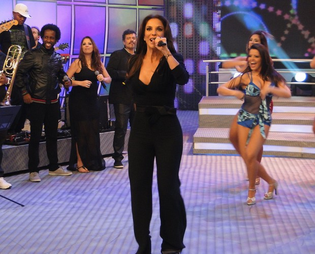 Ivete Sangalo agita o palco do Domingão do Faustão (Foto: TV Globo/ Domingão do Faustão)