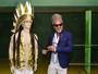 Carlinhos Brown visita quadra da Unidos do Peruche, em São Paulo