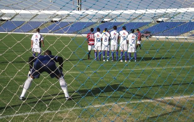 Raposa criou mais oportunidades que o Tigre mas não marcou (Foto: Silas Batista / globoesporte.com/pb)