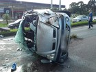 Passageiro é lançado para fora de carro que captou e morre atropelado