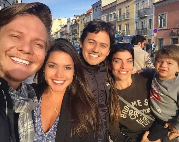 Joana Balaguer encontra com Michel Teló e Thais Fersoza (Foto: Instagram / Reprodução)