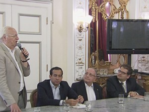 Ex-ministro falou durante a cerimônia da assinatura para a criação da comissão (Foto: Reprodução/TV Tribuna)