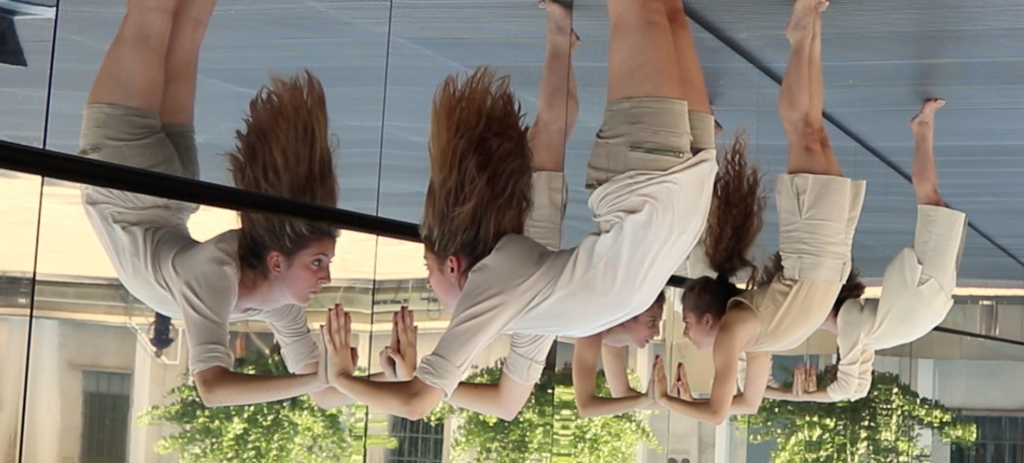 """Attraverso i Muri di Bruma"", com Erica Meucci, Cecilia Tragni e Loredana Tarnovschi (Foto: Billy Cowie)"