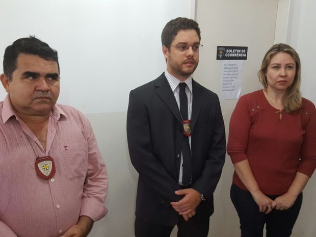 Delegado-geral dá entrevista sobre prisão de atirador do MP (Foto: Thyago Macedo/G1)
