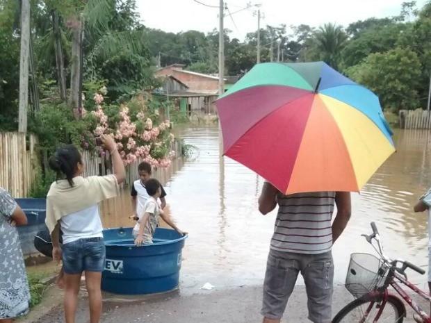 Enchente já atingiu mais de 600 famílias, segundo Defesa Civil do Acre (Foto: Adriony Gonçalves/Arquivo Pessoal)