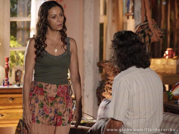 Bibiana fica chocada com a revelação (Foto: Flor do Caribe / TV Globo)