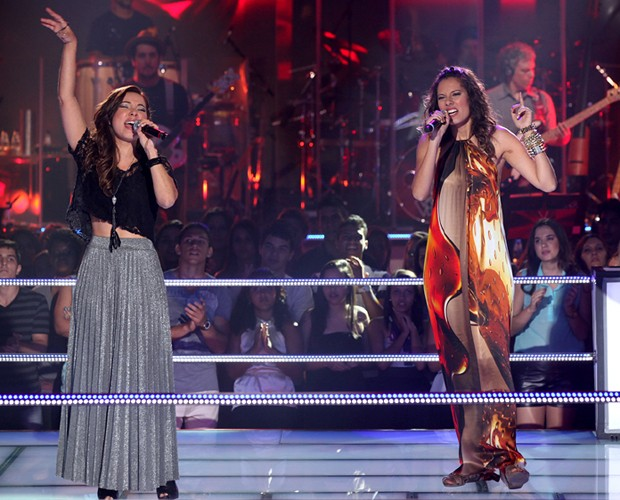 Liah Soares e Luana Mallet cantam juntas do palco do The Voice Brasil (Foto: The Voice Brasil/TV Globo)